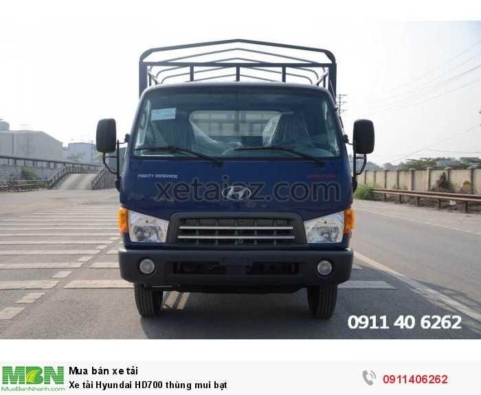 Xe tải Hyundai HD700 thùng mui bạt 2