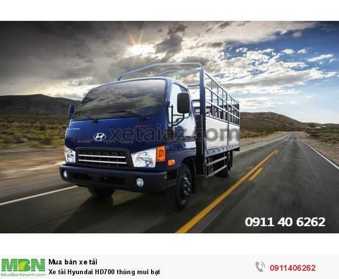 Xe tải Hyundai HD700 thùng mui bạt 3