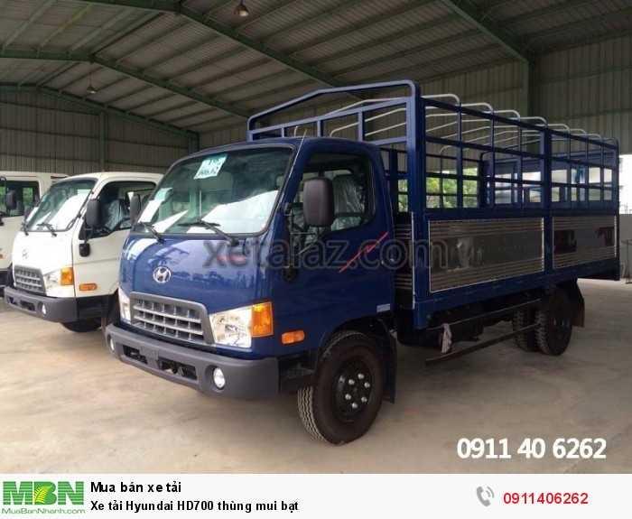 Xe tải Hyundai HD700 thùng mui bạt 4