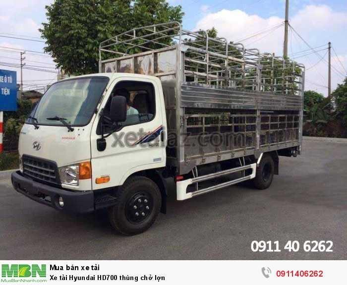 Xe tải Hyundai HD700 thùng chở lợn