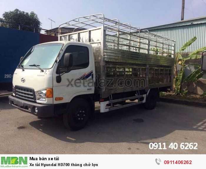 Xe tải Hyundai HD700 thùng chở lợn 4