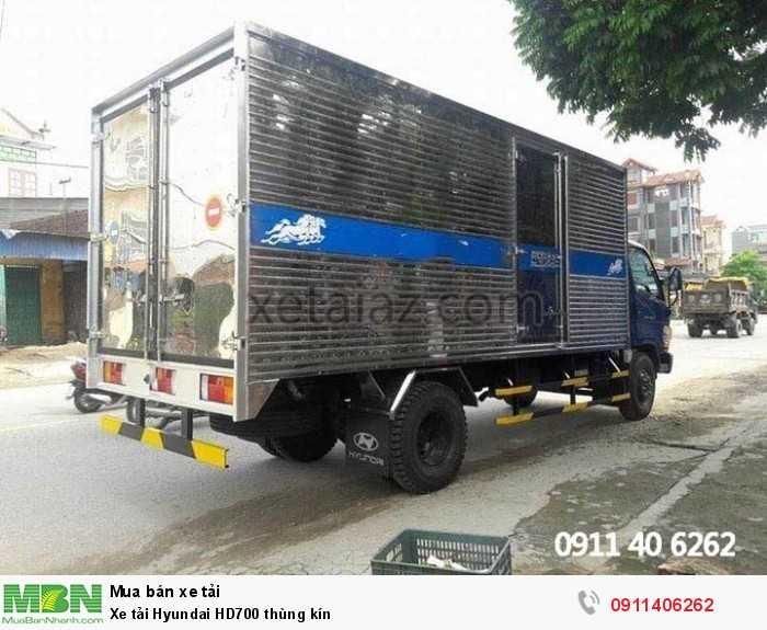 Xe tải Hyundai HD700 thùng kín 0