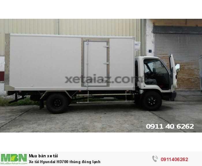 Xe tải Hyundai HD700 thùng đông lạnh