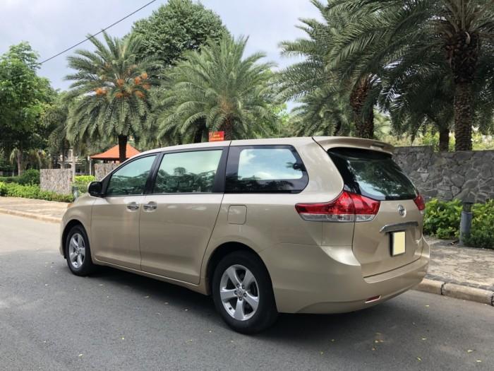 Cần bán gấp trả nợ xe Toyota Sienna LE 2011 màu vàng cát