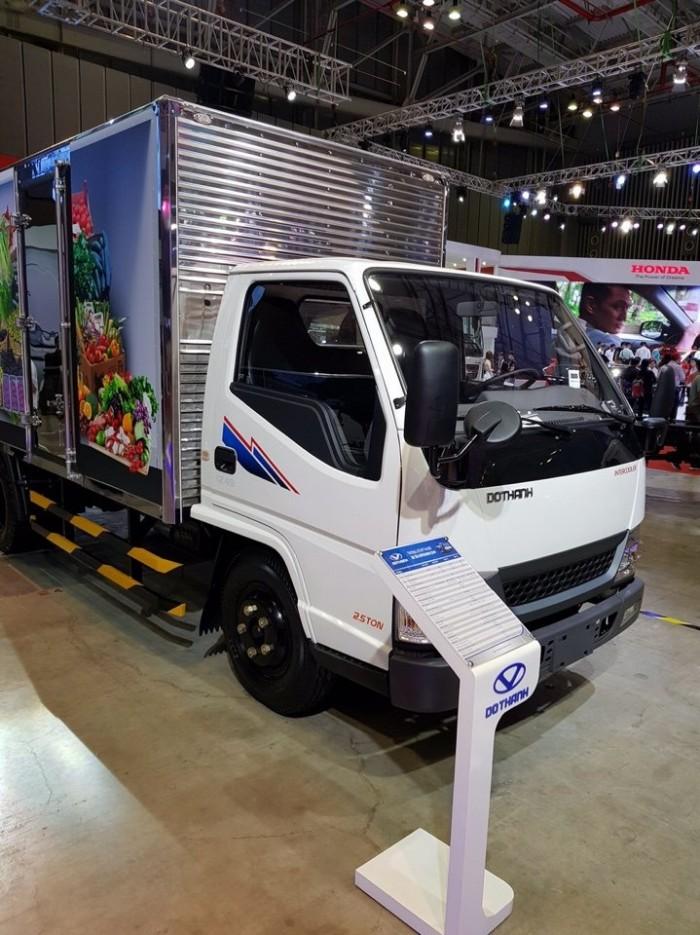 Hyundai IZ49 thùng kín inox, tải 2.5 tấn, trả trước 80 triệu, giao xe ngay - Gọi 0978015468 (Mr Giang 24/24)