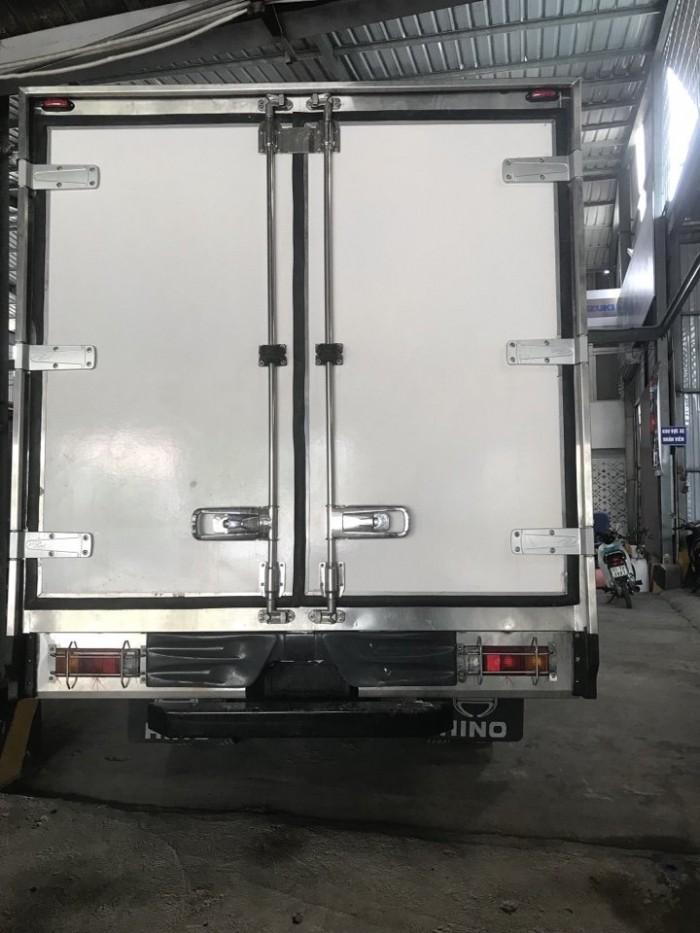 Khuyến mãi mua xe tải Hino 3.5 tấn thùng đông lạnh, trả trước 100 triệu, giao xe ngay - Gọi 0978015468 (Mr Giang 24/24)