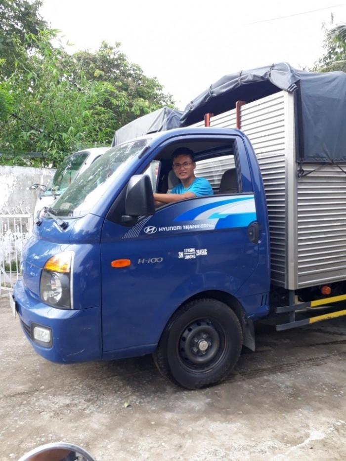 Khuyến mãi mua xe tải Hyundai H150 thùng mui bạt, tải 1T5 tấn, trả trước 50 triệu giao xe ngay - Gọi 0978015468 (24/24)