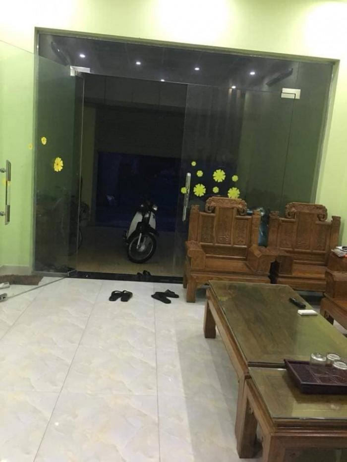 Cần bán nhà Đường Nguyễn Tĩnh, P.Đông Hương, Ô TÔ vào nhà 88m2, 3 tầng, MT 5.5m