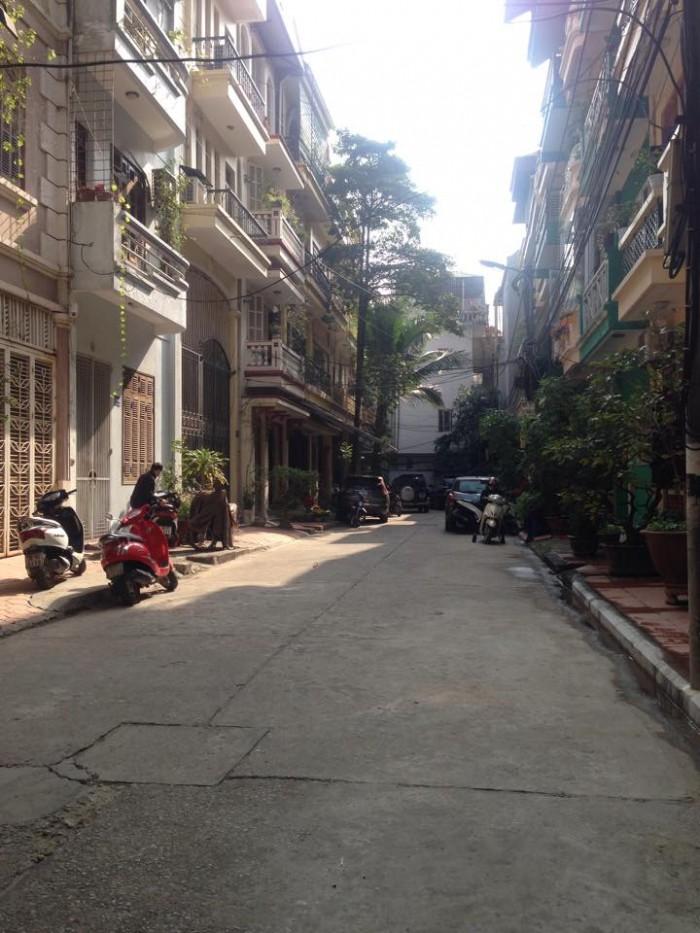 Bán nhà Phân lô Trần Quốc Hoàn, Cầu Giấy, Gara ôtô, KD, 60m*5T