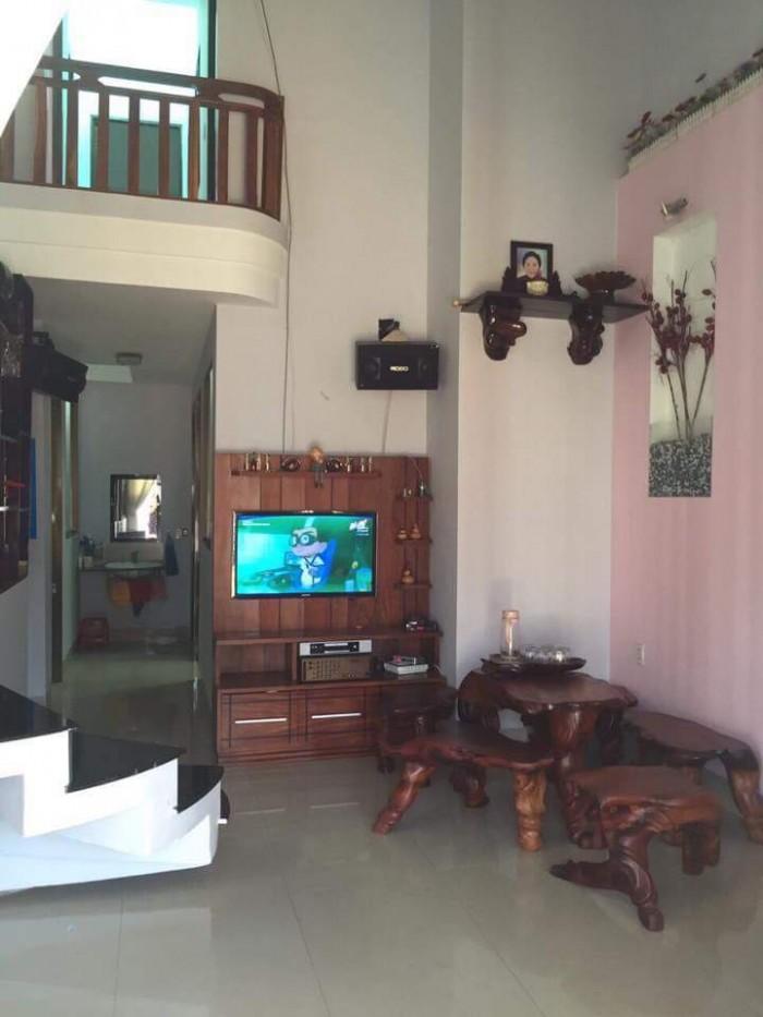 Bán nhà mới, đẹp hẻm Nguyễn Tất Thành 98m2