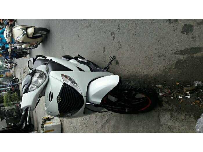 Honda 150 up fun sh shi màu trắng áo zin 1