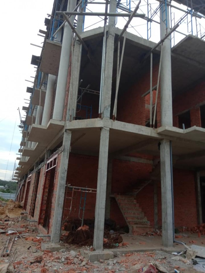 Nhà phố 2 lầu ở KDC Thuận Giao, gần trường Trần Văn Ơn