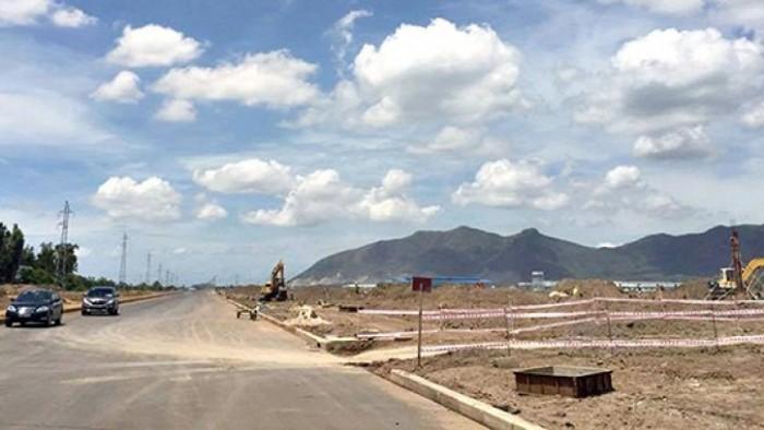 Chuyển Công tác cần bán gấp lô đất mặt tiền Chính Chủ Q9, DT 64m2