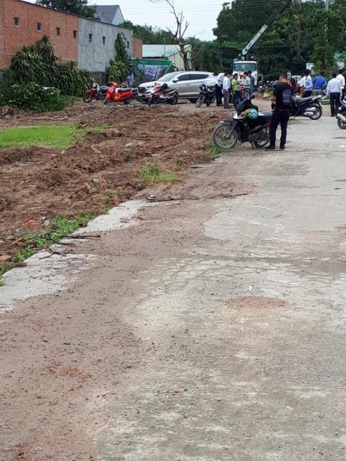 Cần bán gấp lô đất ngay KCN VISIP II MR liền kề chợ Vĩnh Tân