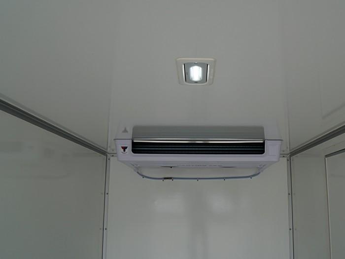Khuyến mãi mua xe tải ISUZU 1.9 tấn thùng đông lạnh - Trả trước 100 triệu, giao xe ngay - GỌI 0978015468 (Mr Giang 24/24)