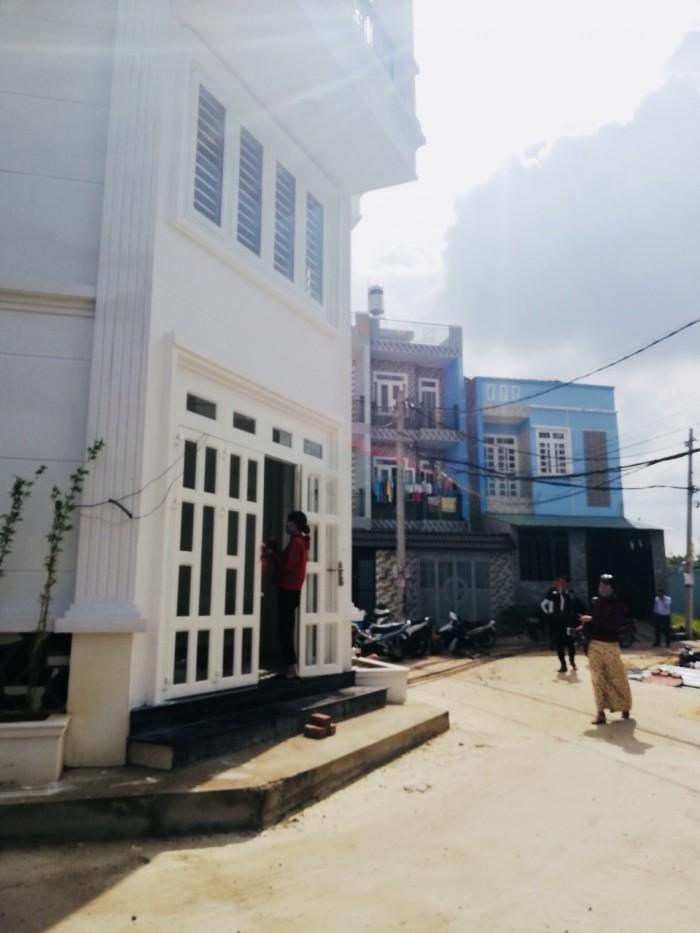 Bán 2 căn nhà 2MT 1 trệt 3 lầu đường Tô Ngọc Vân q12 5x10m shr