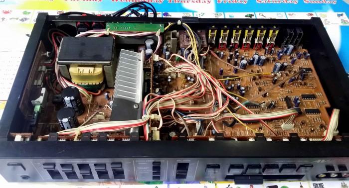 Ampli YAMAHA AVX 590 và ampli SANSUI AV C1014