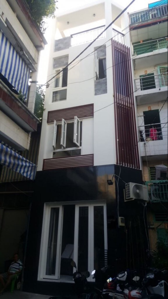 Nhà xinh, 3 lầu, Trường Sa, P3, Tân Bình, Chỉ 4,5 tỷ.