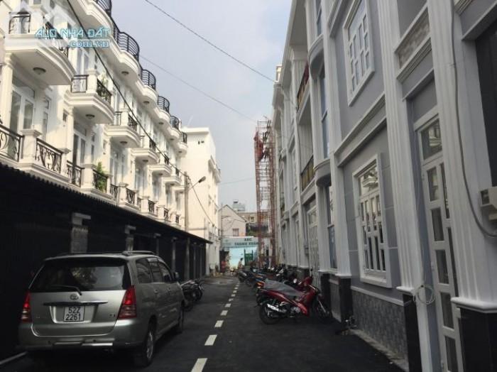 Nhà đẹp như hình, 2 lầu, đường Tô Ngọc Vân