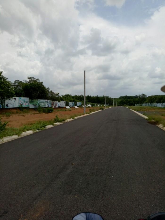 1.Cần bán gấp lô đất mặt tiền xã Phước Bình có sổ hồng riêng giá chỉ 289tr