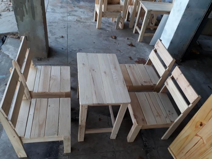 Bộ bàn ghế cafe gỗ thông giá rẻ.2