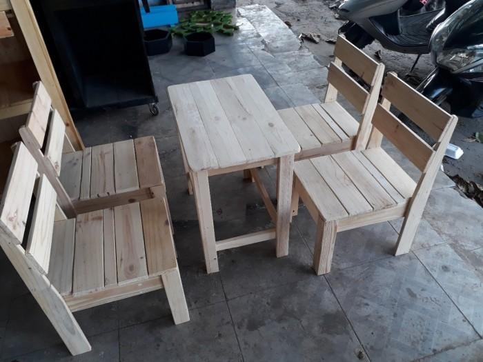 Bộ bàn ghế cafe gỗ thông giá rẻ.3