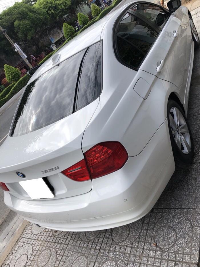 Hết tiền bán Bmw 320i đk 12/2009. màu trắng tinh đẹp linh linh