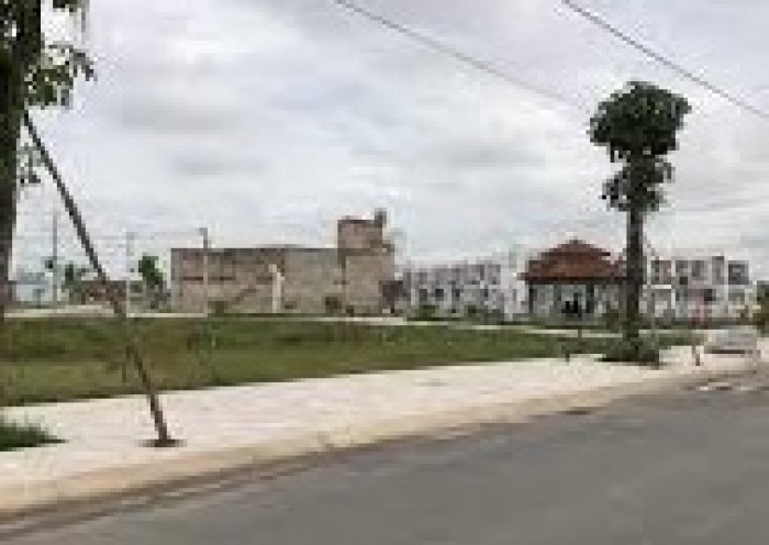 Tọa lạc tại vị trí cửa ngõ của khu vực trọng điểm kinh tế