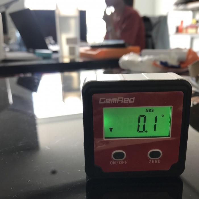 Máy đo góc điện tử