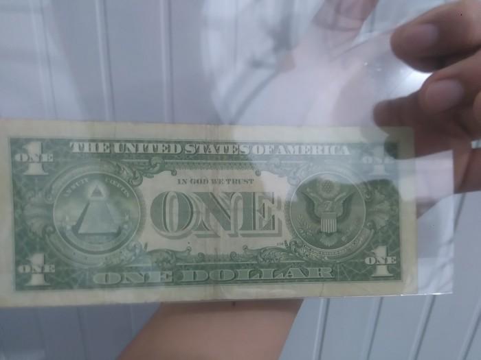 Tờ tiền bạc đầu tiên được sản xuất vào năm 19571