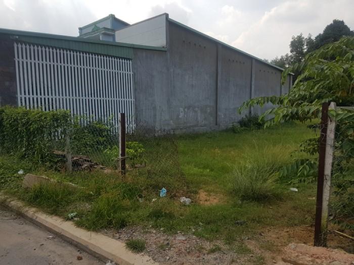 Bán đất đường Huỳnh  Văn Trí, gần chợ Bình Chánh. 350m2, ngang 15m. Thổ cư