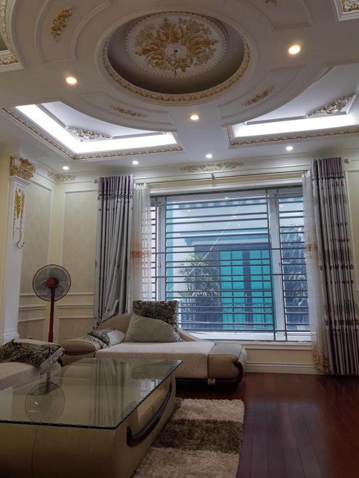 Bán nhà riêng Trần Quốc Hoàn,phân lô,kinh doanh,ô tô vào nhà,dt 60m