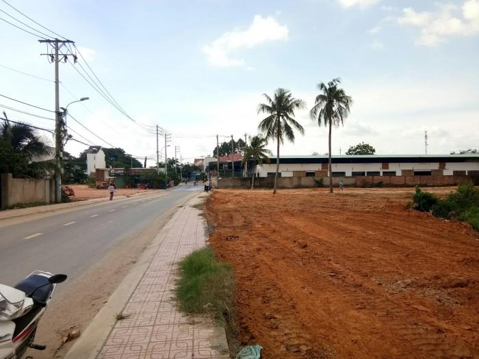 Bán đất gần ngã tư Bình Thung, sổ hồng trao tay ngay.