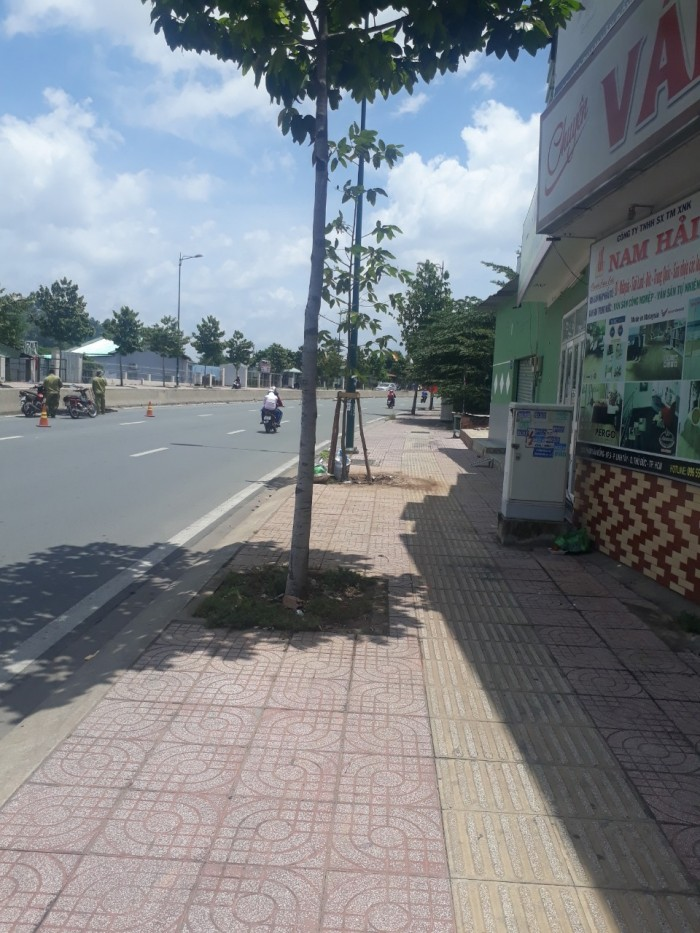 Bán nhà MT đường Phạm Văn Đồng, Thủ Đức