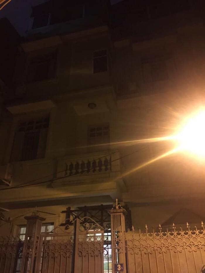 Bán biệt thự, kinh doanh phố Lê Thanh Nghị 70m2, 4 tầng, MT 8.5m