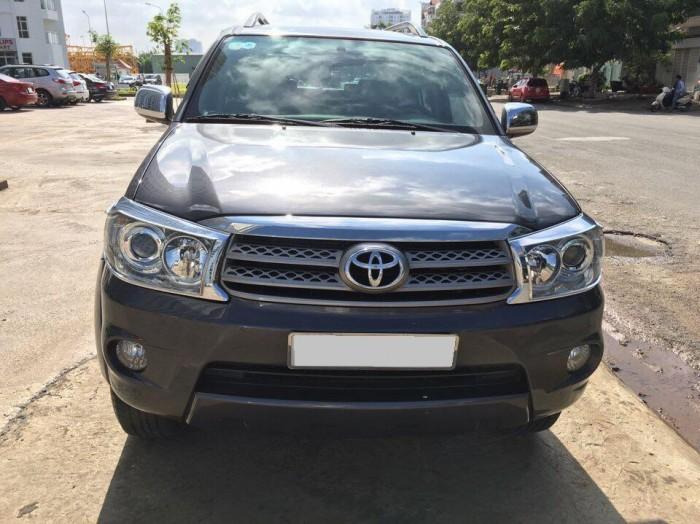 Cần bán xe Toyota Fortuner V 2010 tự động máy xăng