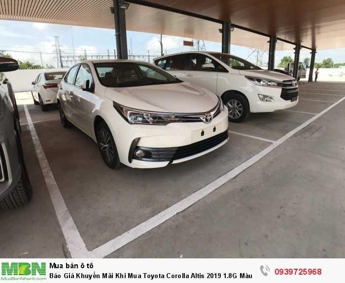 Toyota Corolla Altis 2019 phiên bản mới, kiểu dáng thể thao, nội thất rộng rãi, tiện nghi hiện đại. Liên hệ 0939 725 968 để biết thêm thông tin chi tiết về mẫu xe lẫn chương trình khuyến mãi.