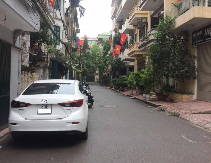 Bán nhà chính chủ phân lô, ô tô tải đỗ cửa Phố Lê Trọng Tấn, DT 42m2, 4 tầng