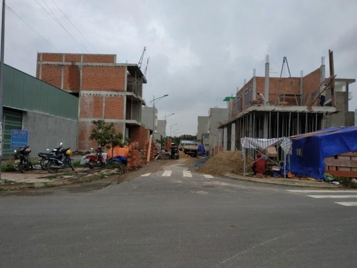 Cần bán nhà tại đường số 6, Nguyễn Xiển, Long Bình, Quận 9