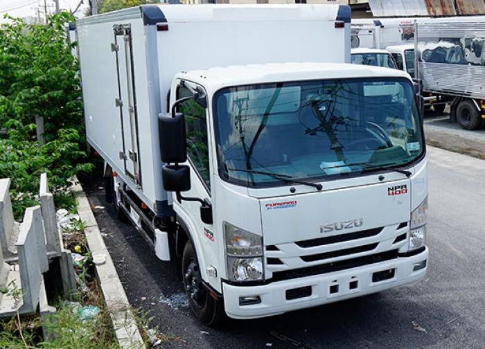 Khuyến mãi mua xe tải Isuzu 3.5 tấn, thùng bảo ôn, trả trước 50 triệu, giao xe ngay - GỌI 0978015468 (Mr Giang 24/24)