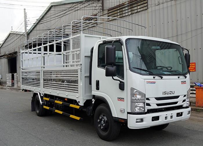 Bán xe tải Isuzu 5.5 tấn, thùng mui bạt, trả trước 50 triệu, giao xe ngay - GỌI 0978015468 (Mr Giang 24/24)