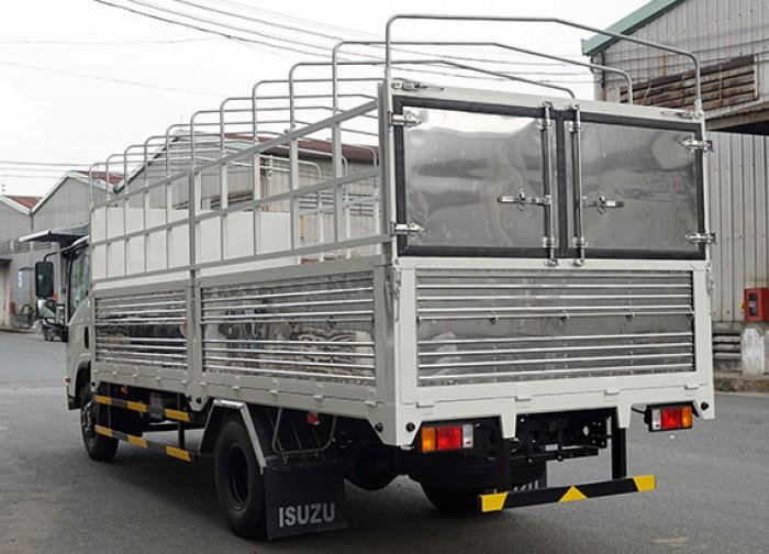 Mua xe tải Isuzu 5.5 tấn, thùng mui bạt, trả trước 50 triệu, giao xe ngay - GỌI 0978015468 (Mr Giang 24/24)