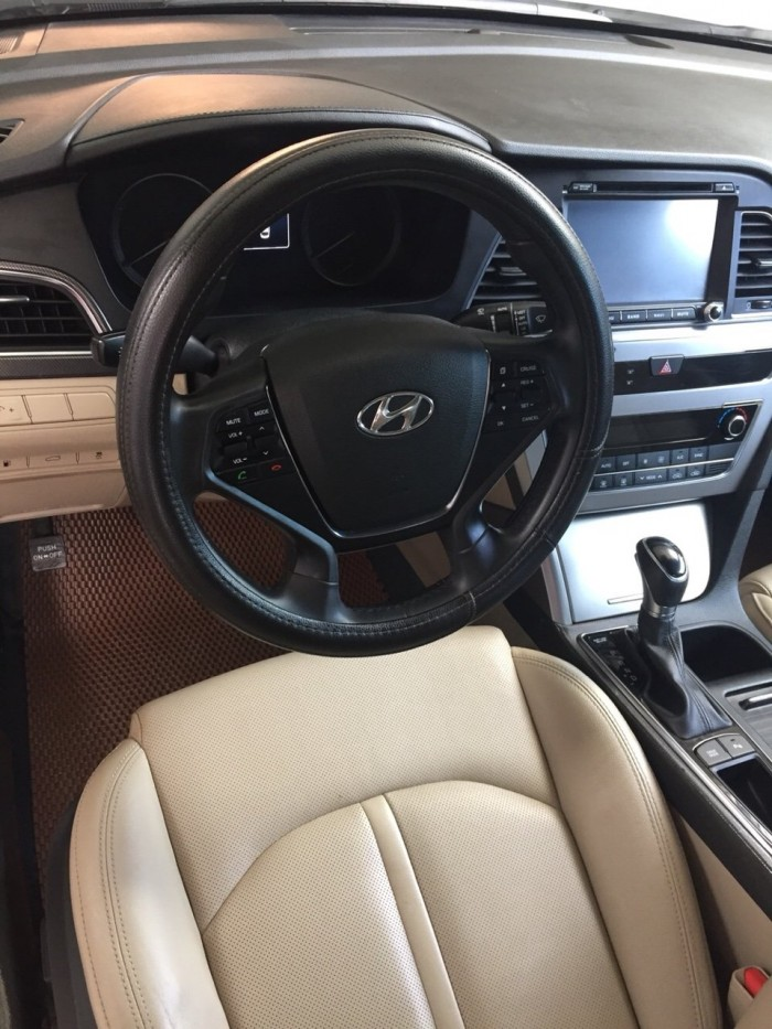 Bán Hyundai Sonata 2.0AT màu trắng số tự động nhập Hàn Quốc 2015 mẫu mới lăn bánh 33000km