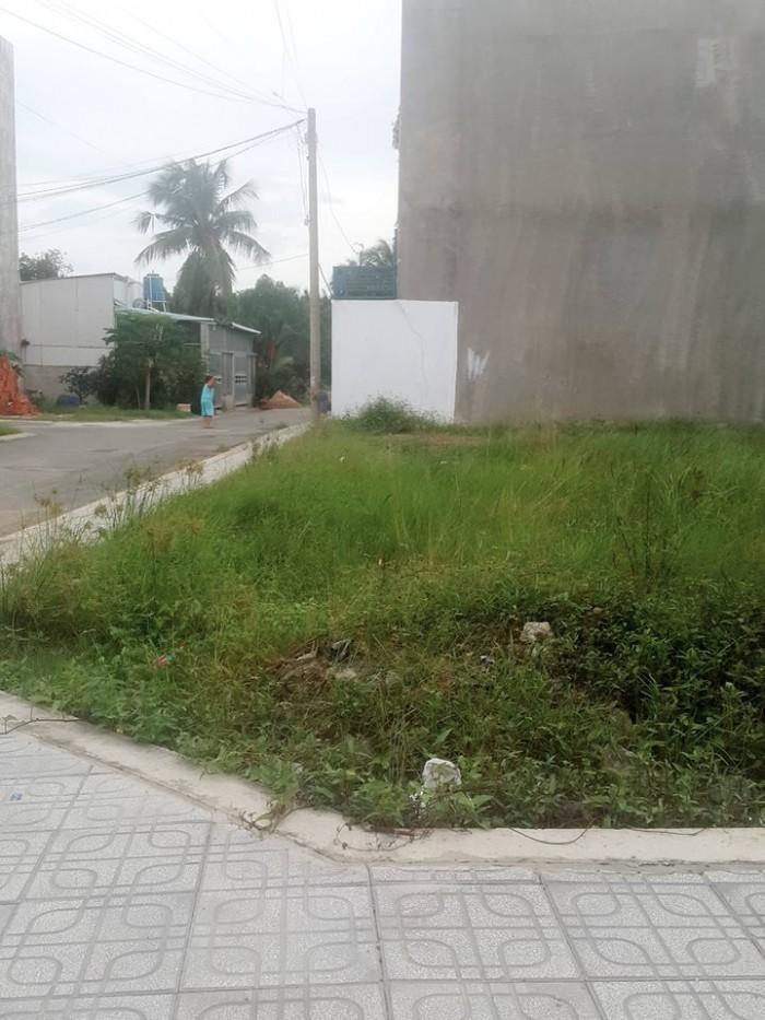 Chính chủ cần bán đất MT Nguyễn Xiển , lô góc , thích hợp để ở hoặc đầu tư