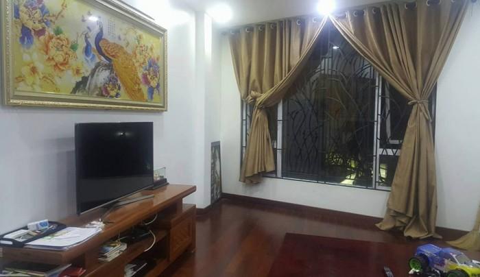 Bán nhà đẹp, chắc chắn Thịnh Quang 32x4 tầng, mặt tiền 4m.