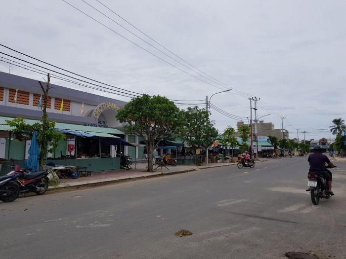 Lô đất chợ Thanh Quýt, song song quốc lộ 1A