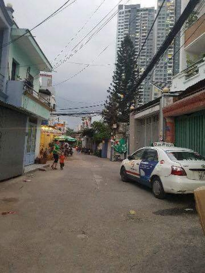 Bán nhà mặt tiền hẻm hơi, Huỳnh Tấn Phát, Quận 7, sát bên Phú Mỹ Hưng