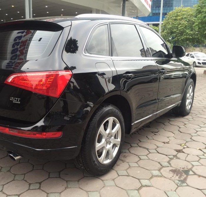 Bán xe Audi Q5 2.0T 2011 màu đen nội thất kem zin