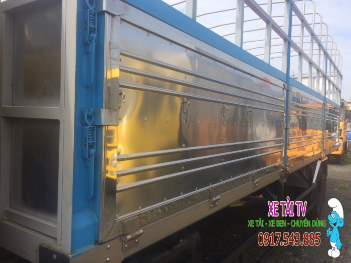 Giá xe tải dongfeng B170 tải 9 tấn thùng mui bạt 4