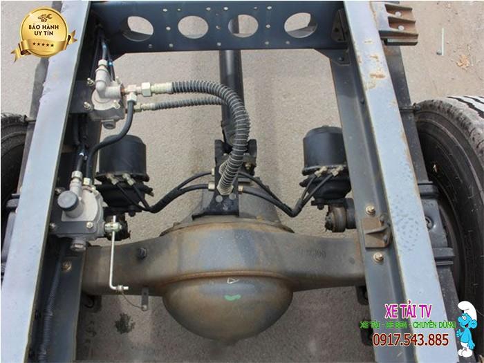 Giá xe tải dongfeng B170 tải 9 tấn thùng mui bạt 2